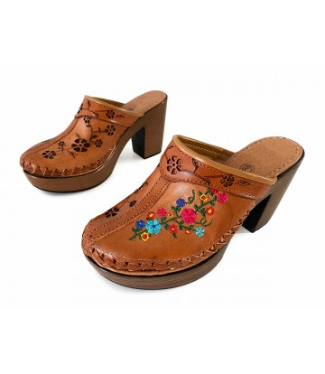 Clogs Ketzaly, embroidered...